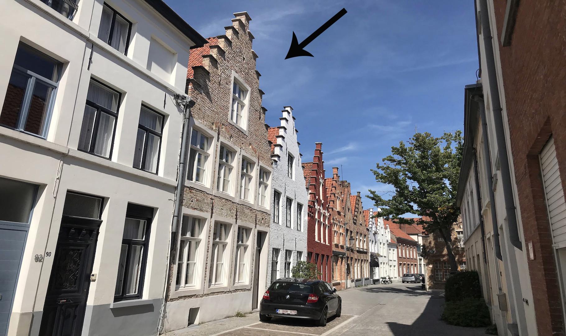 exclusieve architectenwoning, 16e-17e eeuwse kern met eigentijdse accenten, 4 slaapkamers, 3 badkamers, lift, terras en tuin aan rei en park, toplocatie bij St Jacobs