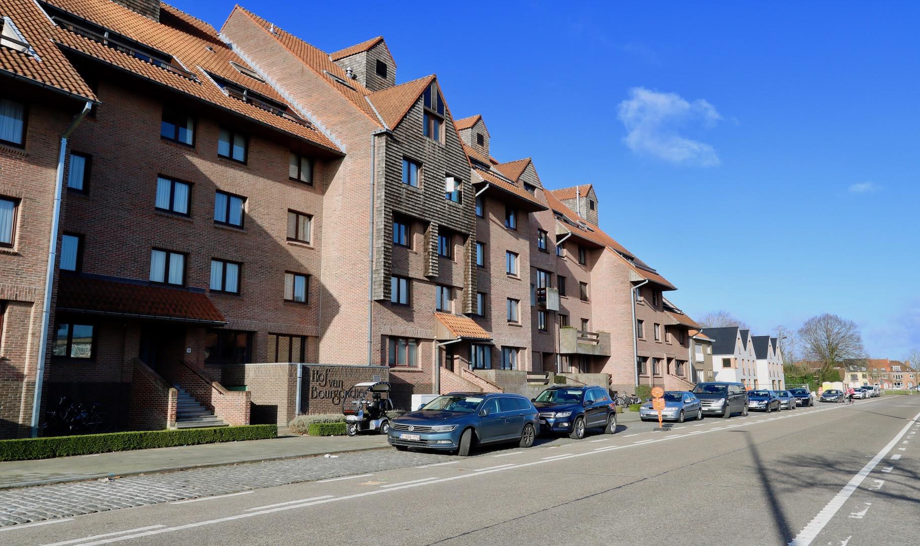 knap gerestyled appartement te Kristus Koning, circa 115 m2, met breed zonneterras en optionele aankoop garagebox