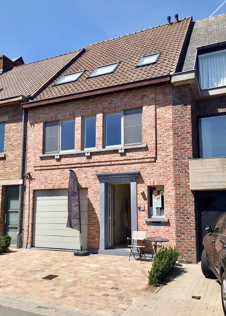 Bel-Etage Te Sint-Michiels met prachtige tuin en zonneterras - 3 slpks - ruime garage