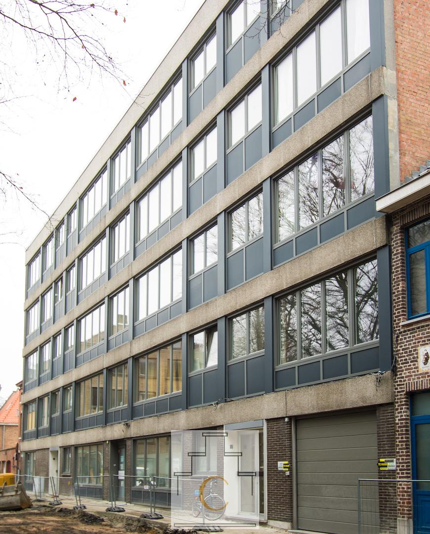 instapklaar appartement met zicht op nieuw Beurs- en Congresgebouw