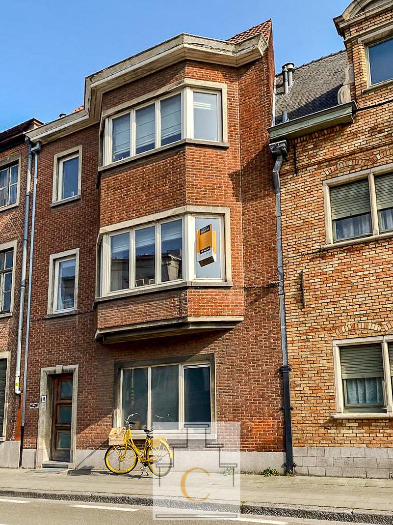 Eigentijdse woning met leuk terras - 2slpk - fietsenberging - huurprijs: 850€ per maand