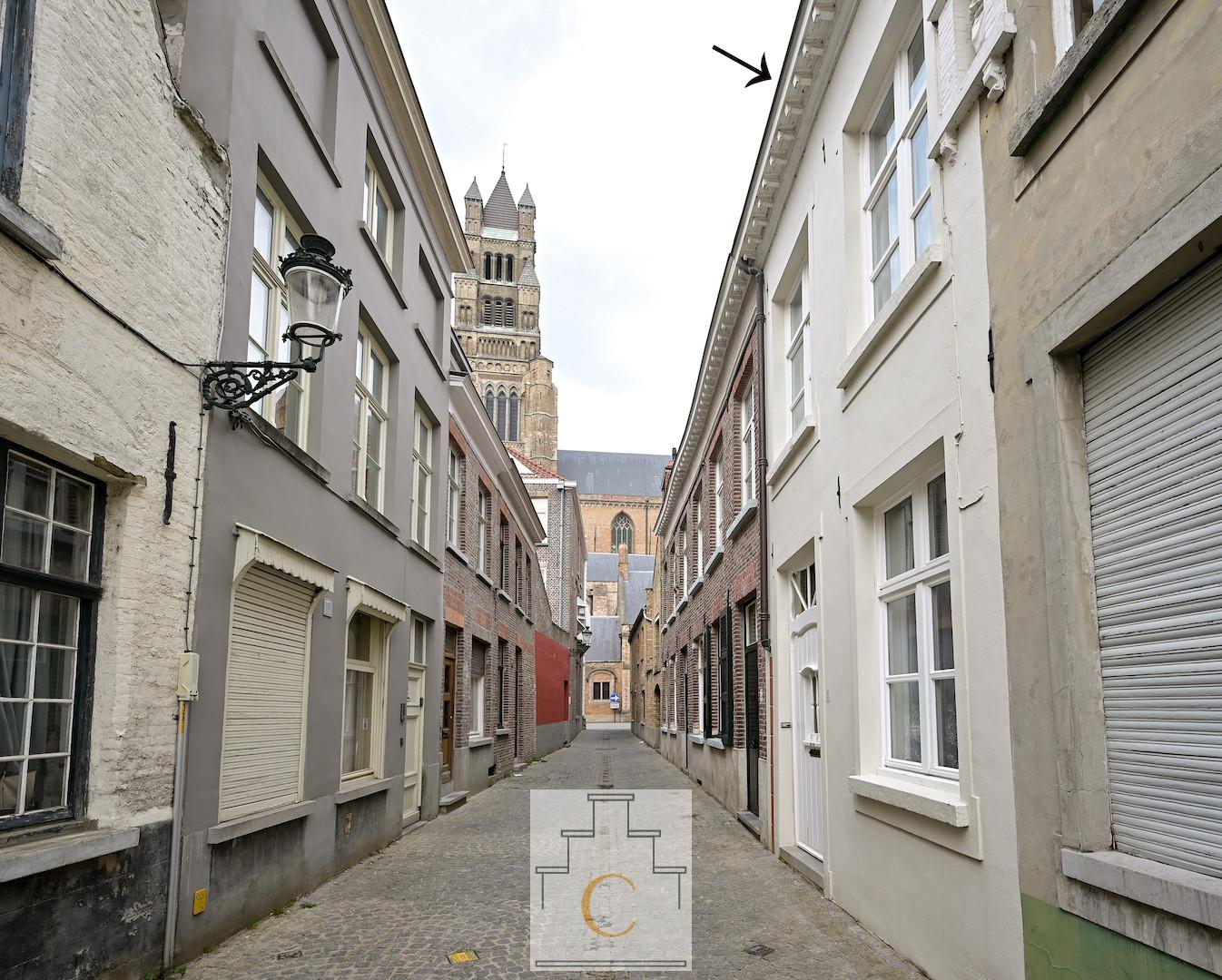 charmant Brugs huis op een idyllische locatie tussen Sint Salvators en het Bisschoppelijk Paleis