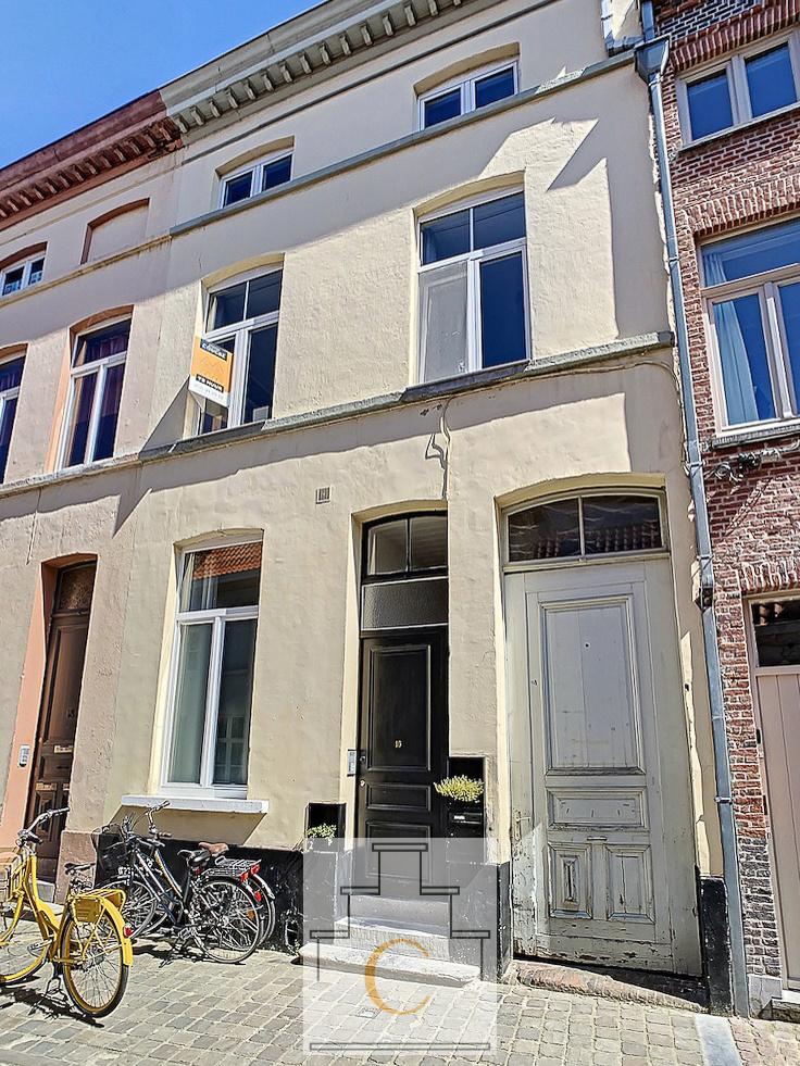 gerenoveerde stadswoning in hartje Brugge met mogelijkheid tot uitbating b&b