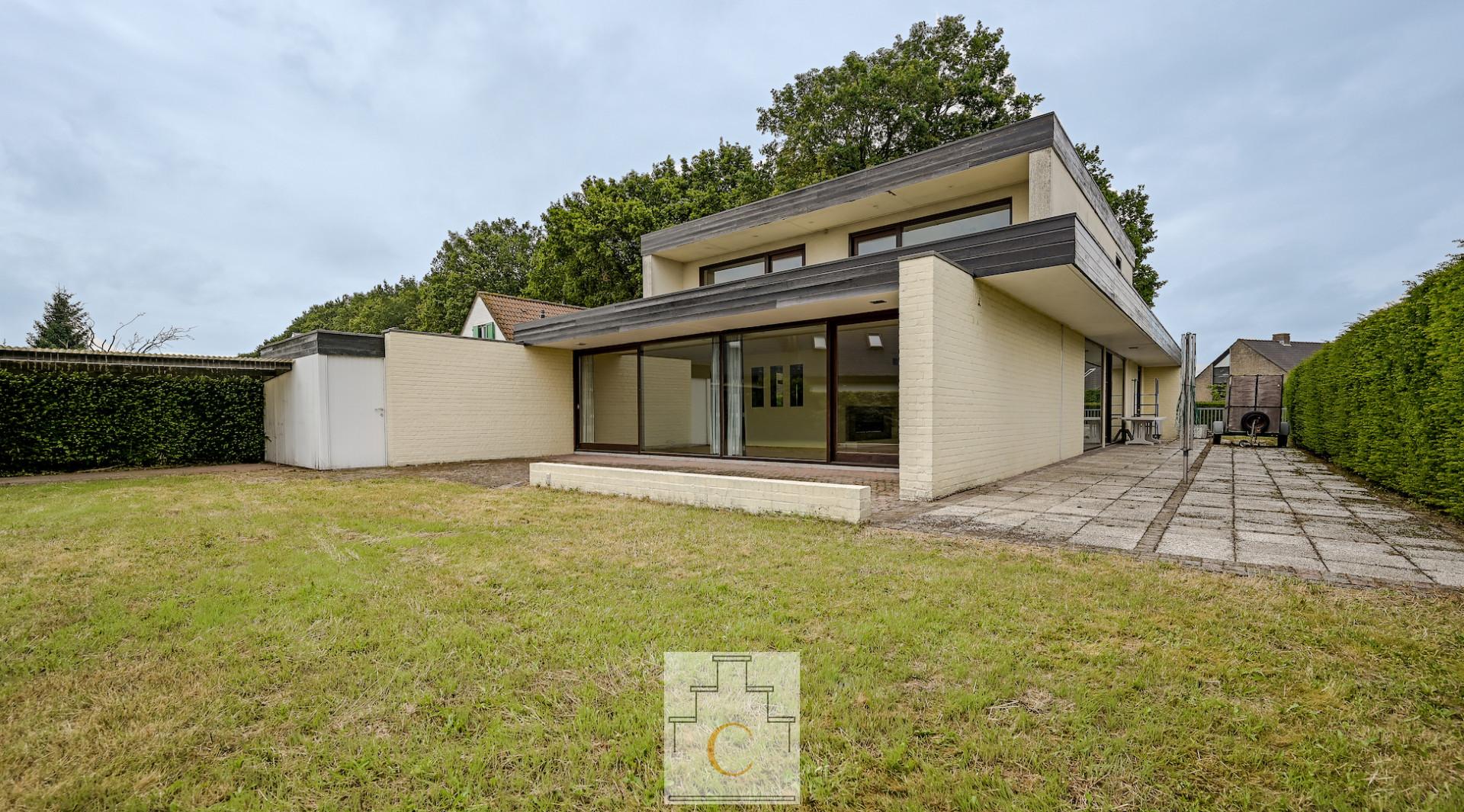 Villa in moderne stijl op residentiële topligging te Jabbeke
