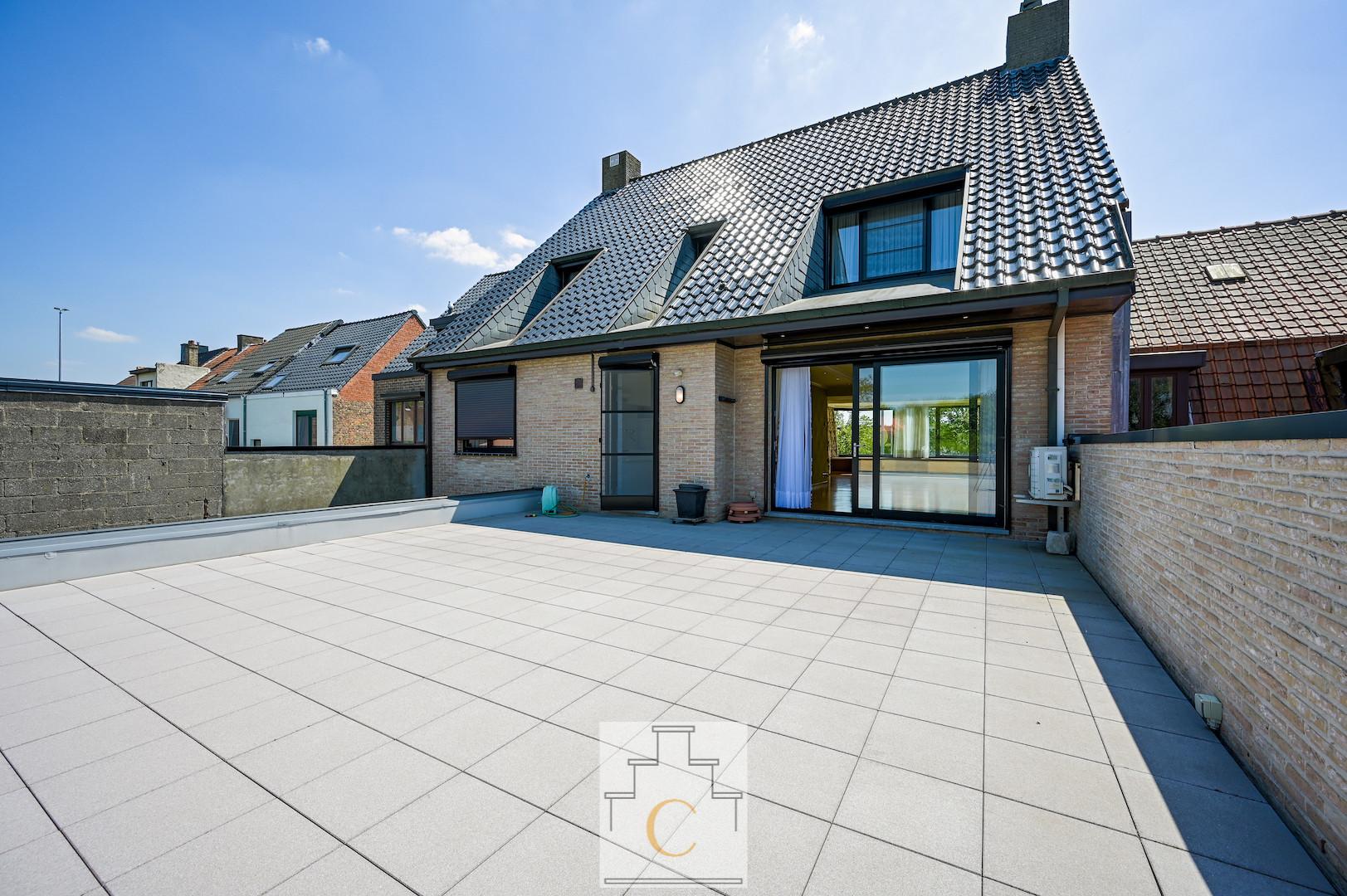 Ruime en kwalitatieve duplex op toplocatie te Sint-Michiels